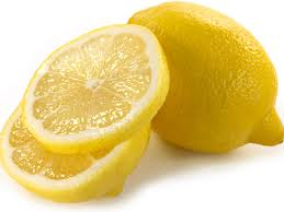 Manfaat Membersihkan yang Luar Biasa Menggunakan Lemon