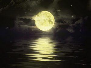 Ternyata, Bulan Purnama dapat Membuat Kita Susah Tidur