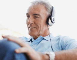 Manfaat Suara Bagi Kaum Lansia, Otak Lebih Awet