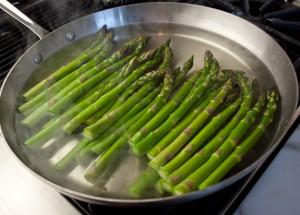 Kandungan Gizi dan Komposisi dari Asparagus Rebus Tanpa Garam